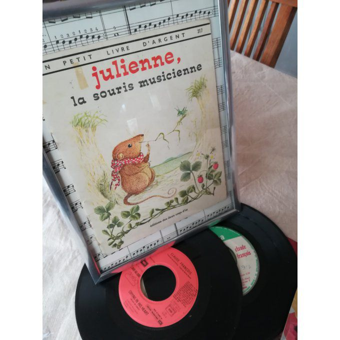 Julienne, la souris musicienne